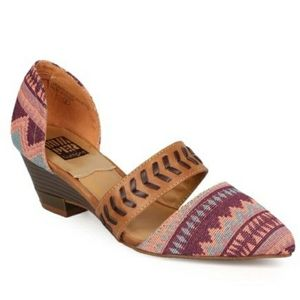 BUMPER DOLLY 06 POINTED TRIBAL PRINT WEDGE